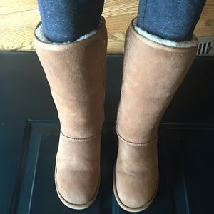 UGG tall boots Chestnut size 6